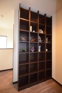2階ホールの本棚は大容量。 家族で共有したい本などはココに!