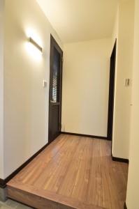 1階ホールは幅をしっかりとって広々と。