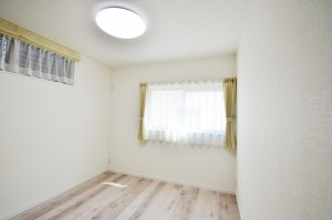 窓の位置も家具を置きやすいように計画!