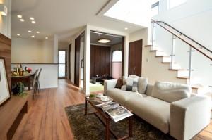 LDKは和室から階段から、一体感のある明るい空間です。
