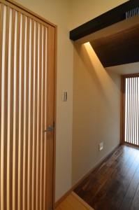 和風の扉が2枚。 ひとつはなんだかとっても趣があります。