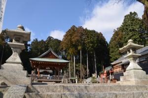 志賀八幡神社です。 ここの秋祭りは結構豪華に行われるみたいですよ!!