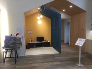 キッズコーナーもお家と格子の意匠を繰り返し使用する 『重ね』の技法を取り入れた設計になっています