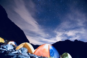 テント泊。夜は星が落ちてきそうなくらい綺麗です。