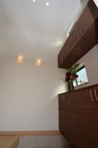 ◆玄関ホール 玄関は高天井となっていますので、 開放的な空間です