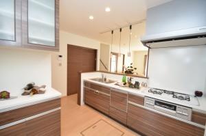 ◆キッチン 広々とプランされたキッチンスペースのため、 収納力と作業性は抜群