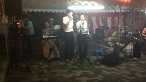 こちらは海原千里・万里さんの「大阪ラプソディー」 2人とも直前までハモリを練習されていました★ 低音が素敵でしたよ!