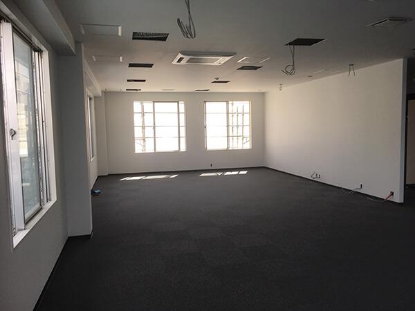 ご覧の通り、すっきり事務所スペースが完成!