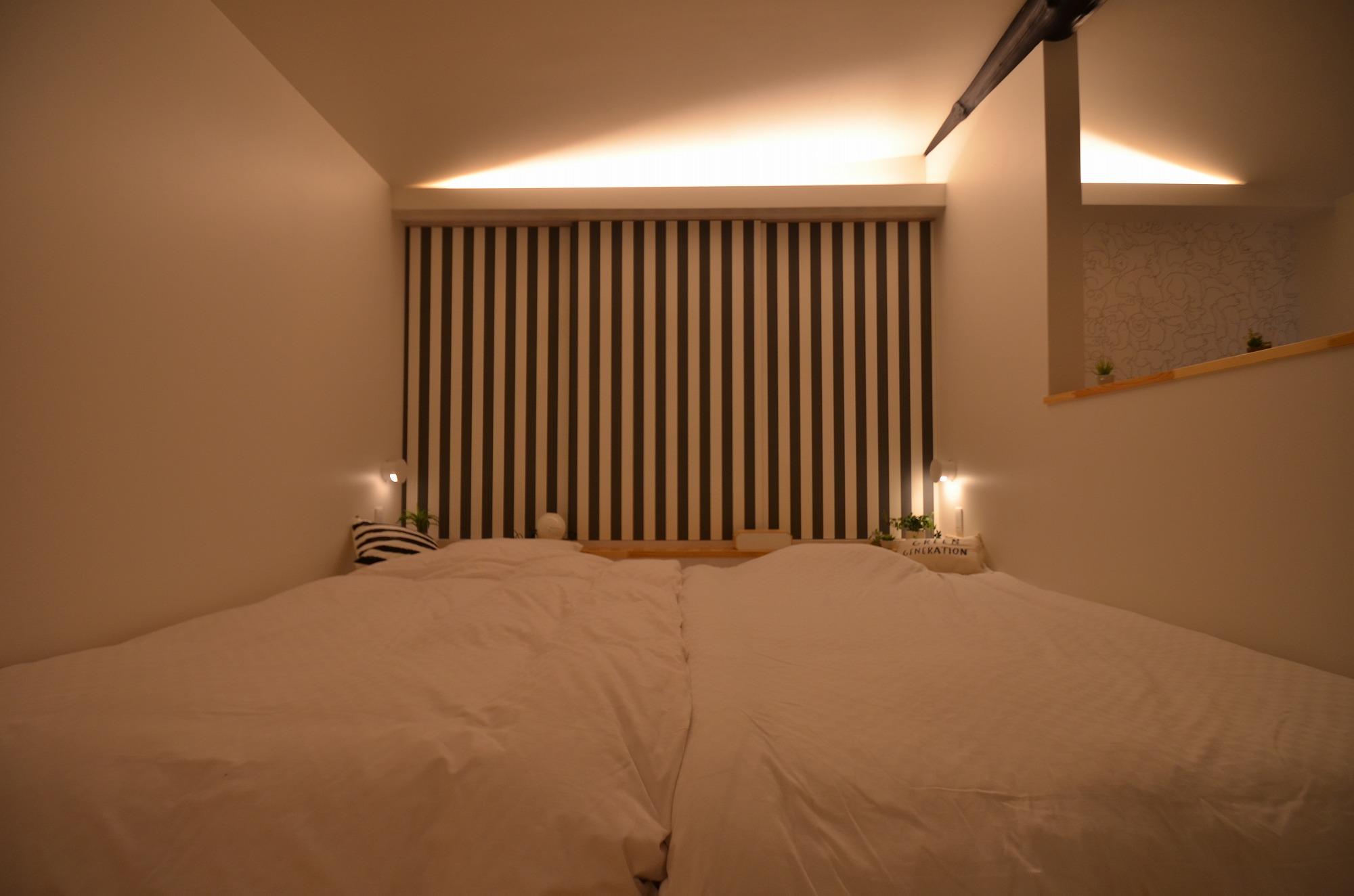 2階の寝室は夜更かししたくなる雰囲気です