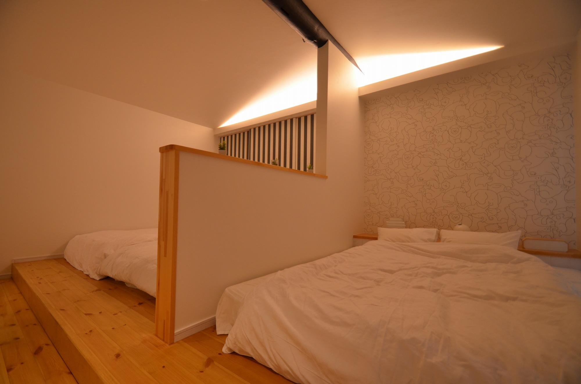 ベッドスペースが2つありますので、ご家族でもお友達でも余裕のある広さですね