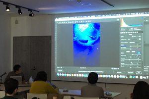 こちらは写真教室の一幕です…真剣ムード!