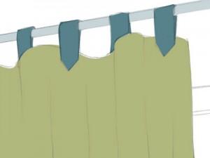タブ: 共生地またはカラータブをポールに通して吊るカジュアルなスタイル